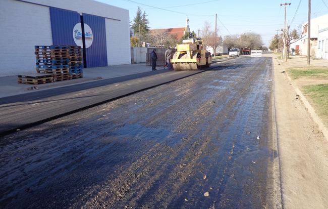 Obras-de-asfaltado-calles-con-cordon-cuneta